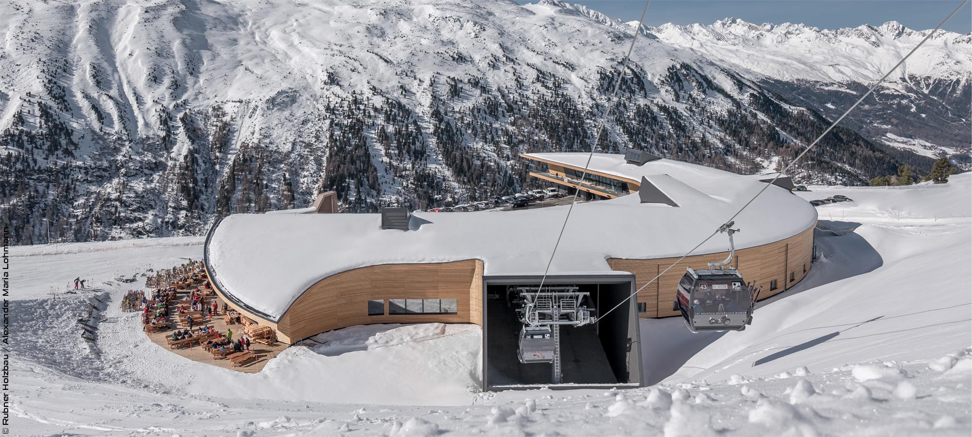 Complexe « Top Mountain Crosspoint »